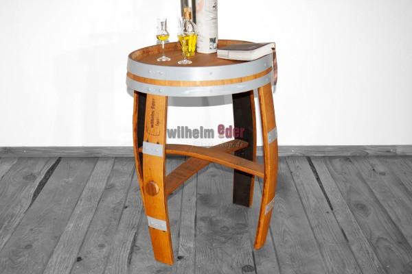 Table fabriqué d'un fût