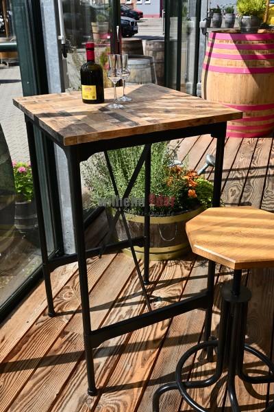 Table de bar avec revêtement en bois de tonneau